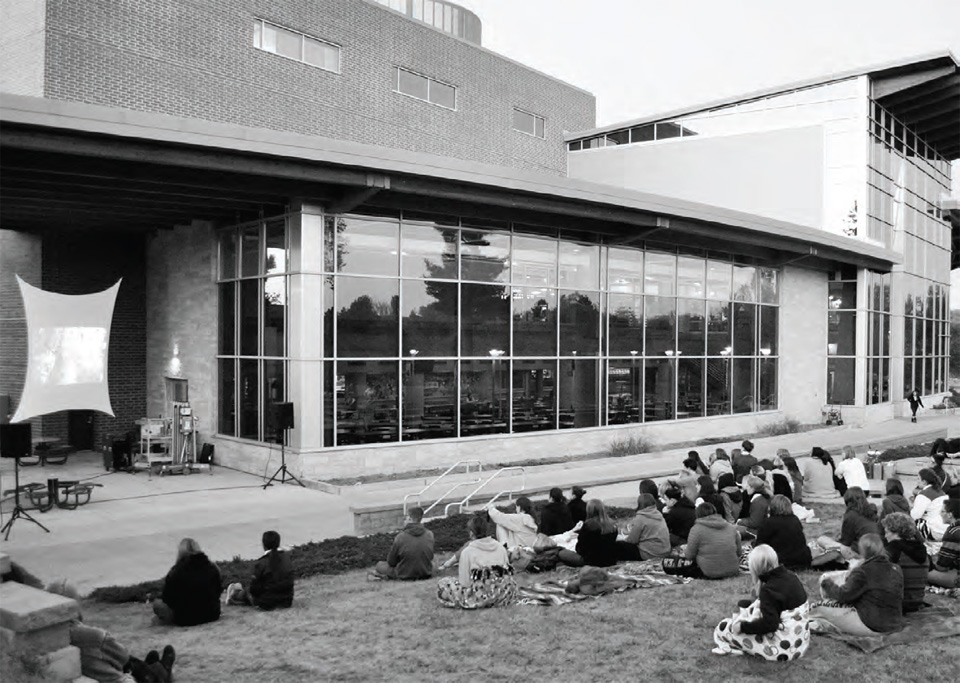 Student Life held an outdoor showing of a movie